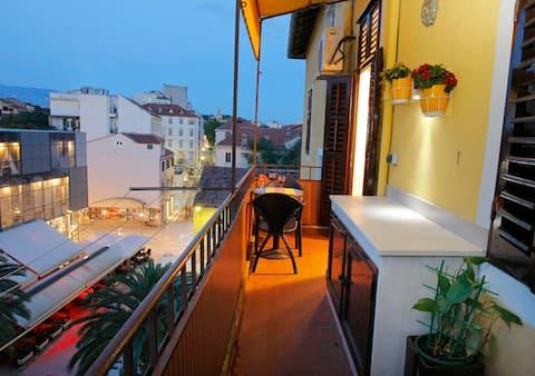 Lovely ap. Marmont & balcony in the heart of Split