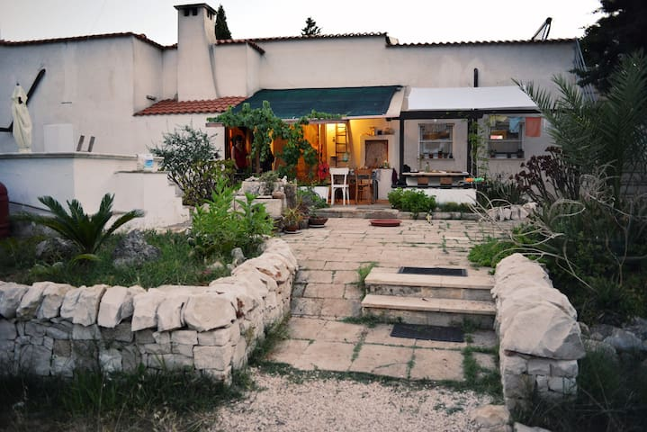 B&B in the Reserve of Torre Guaceto - Brindisi - Hus
