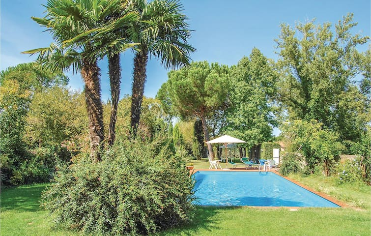 Holiday cottage with 5 bedrooms on 300 m² in Pisa -PI-