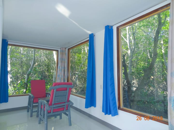 MG CHATEAU FAMILY ROOM ,AC,Hot shower max.5 paxF1