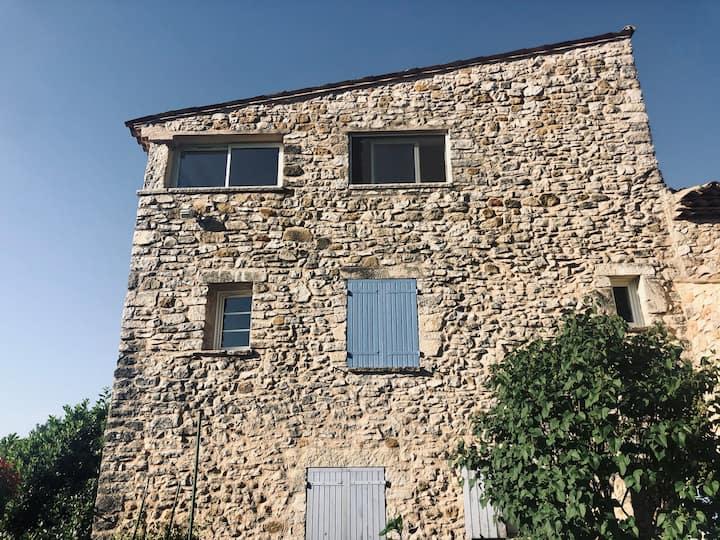 Bastide provençale & piscine aux portes du Luberon