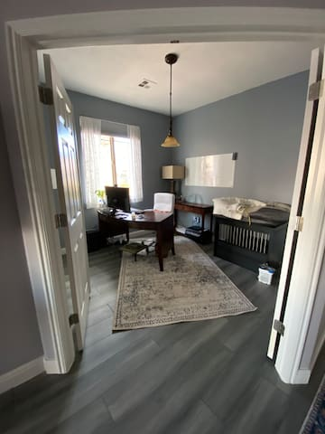 Office/Third Bedroom with Dog Crate