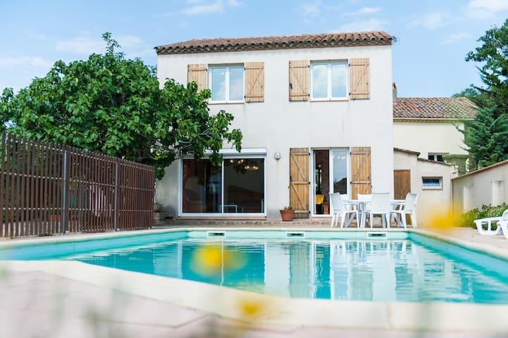 Grande villa avec piscine privée - Ouveillan - Villa