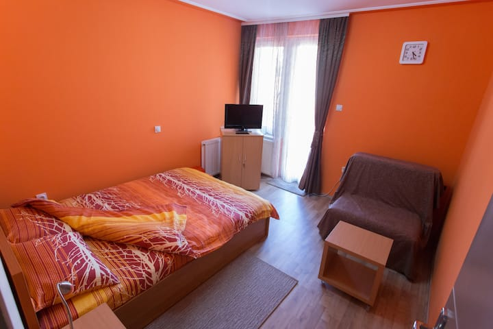 Triple room-shared bathroom-Room M2