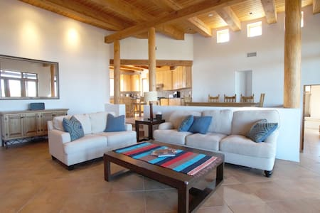 360° View Private Santa Fe Mountain Retreat