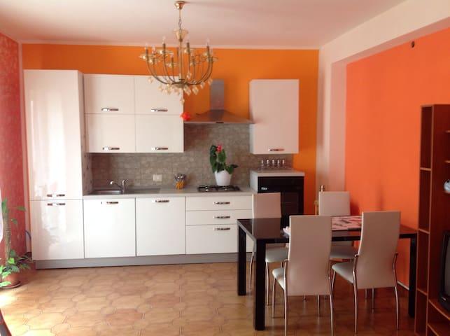 Casa di Gloria, accogliente trivano - Campofelice di Roccella - อพาร์ทเมนท์
