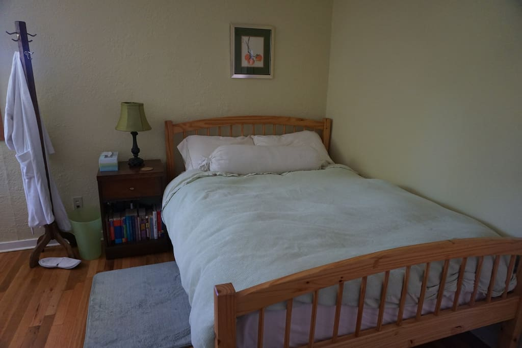 Super comfortable bed with great mattress, organic sheets and down comforter. Plus a robe.