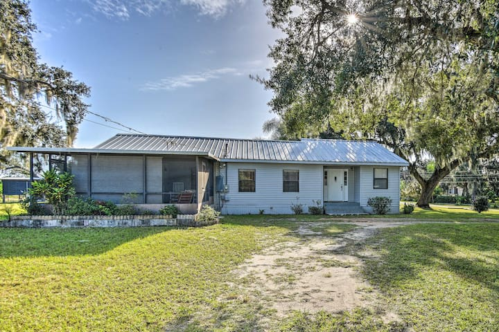 NEW! Frostproof Home w/Screened-in Porch Near Lake