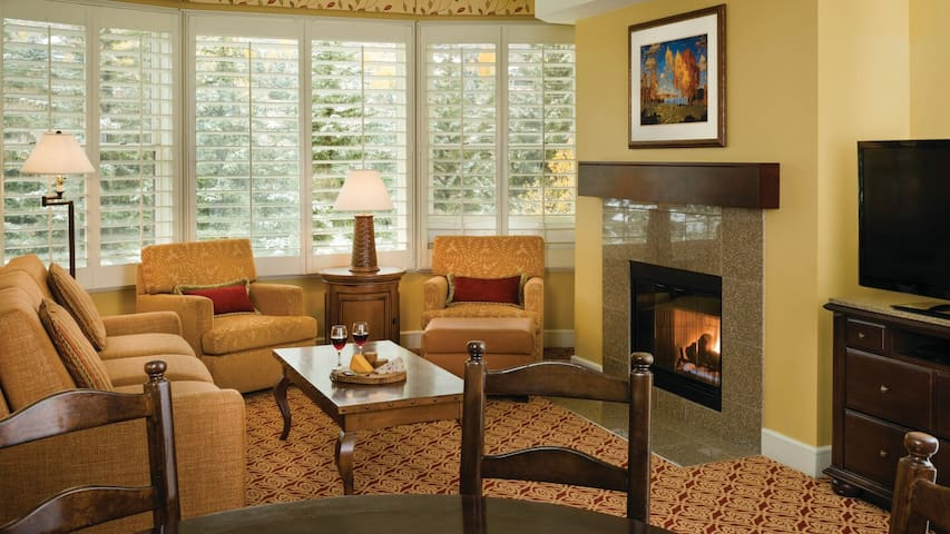 MARRIOTT VAIL RESORT - SPACIOUS 2 BEDROOM SUITE