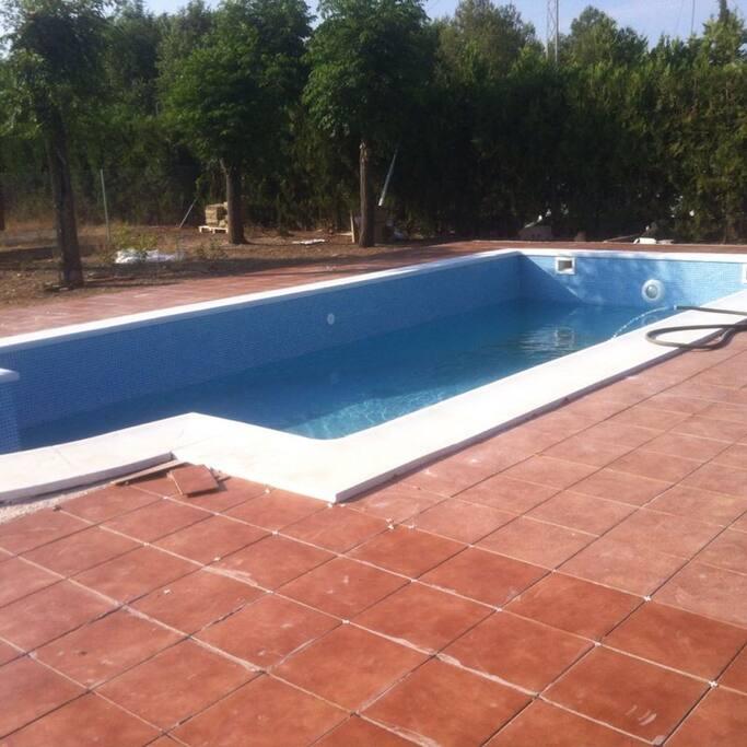 Casa con piscina en carmona sevilla casas en alquiler en for Piscinas abiertas en sevilla