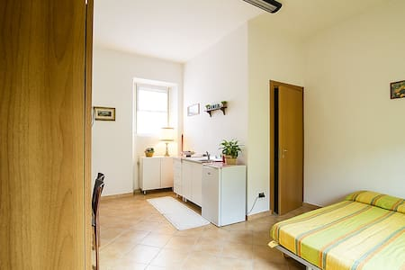 Accomodation in Tuscan countryside - Carmignano - Bed & Breakfast