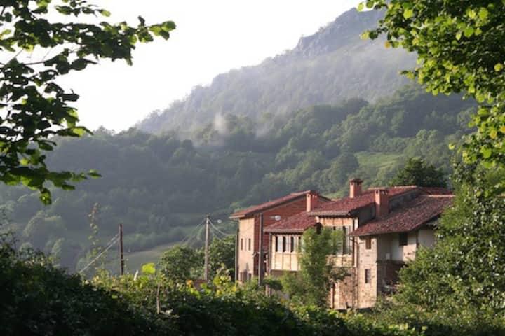 Albergue Les Xendes. Parque Natural de Redes