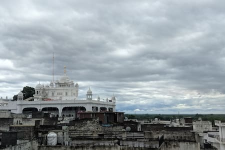 Air Guests house. Gurdwara view