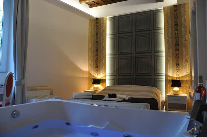 Navona Nice Room - Suite with Jacuzzi