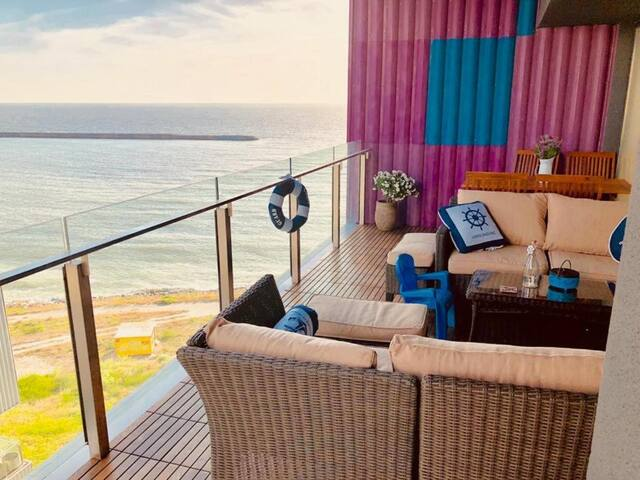 Spectrum Residence Sea View