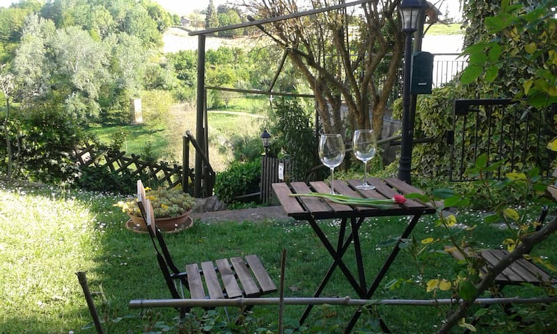 AMAZING LANGHE AND MONFERRATO | HOUSE WITH GARDEN - Calamandrana - Casa