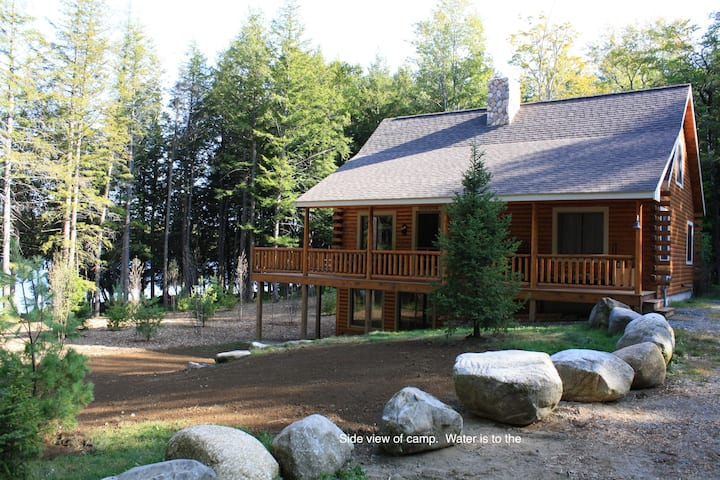 Secluded Maine Lakeside Log Home