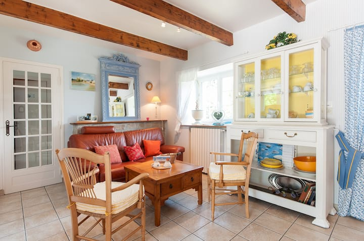 Iroise Sea, Charming Cottage for 2 Persons + Baby