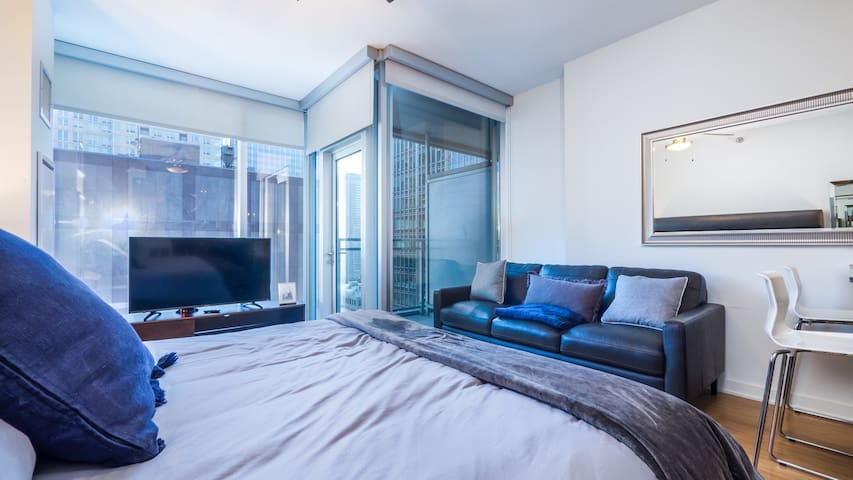 Seaport Luxe Condo Studio 3F