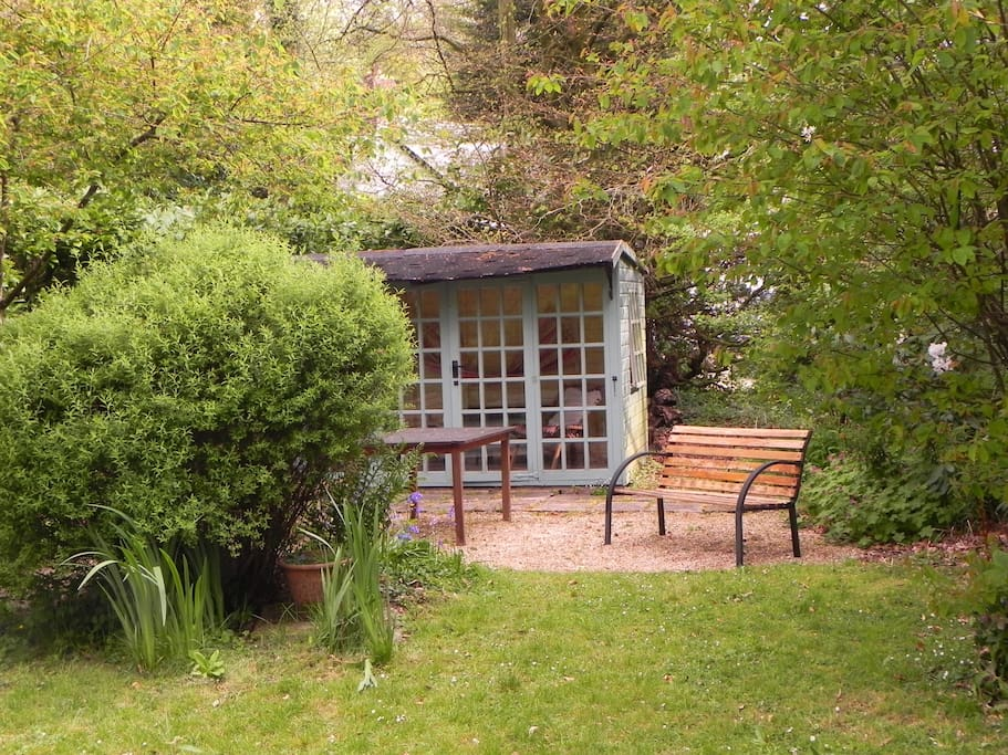 Small garden and summerhouse opposite Cottage