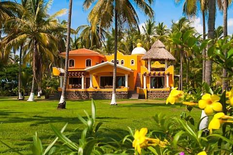 Beautiful Beach Villa Playa Las Tortugas