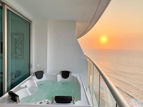 Luxury 1 BR in Penthouse Beach Front with Jacuzzi