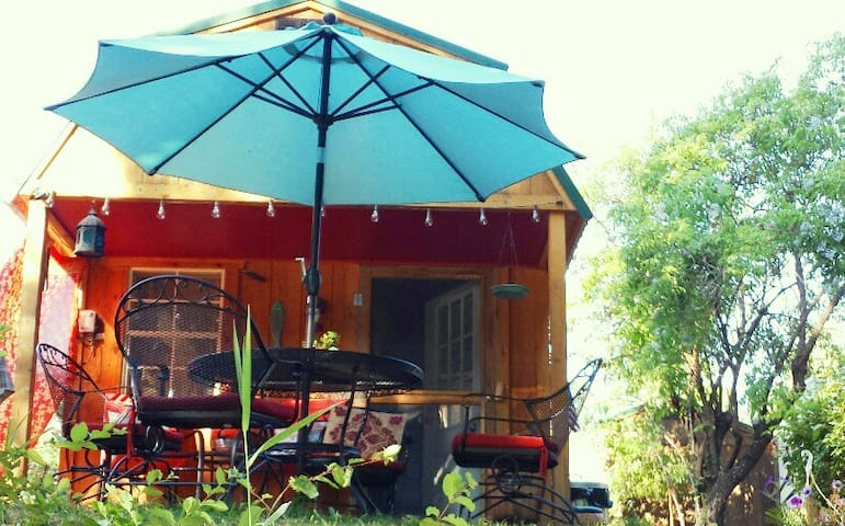 Montana Cabin Right on The Kootenai River *5 Star* - Troy
