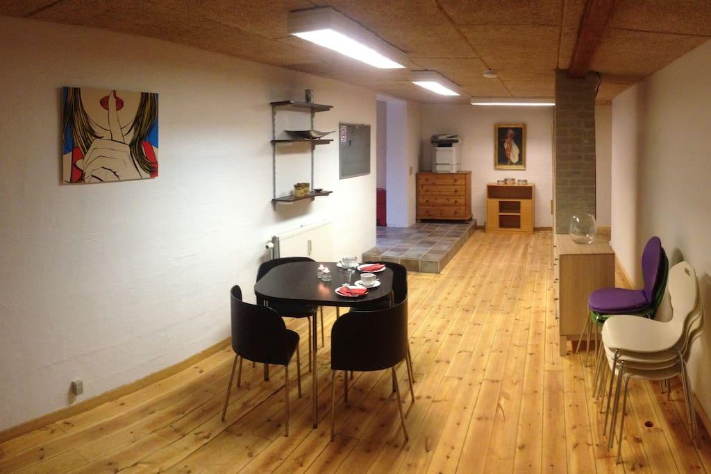 Her er fællesrummet, hvor der spises morgenmad