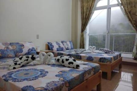 Amlangan Lodge Room 9 - with terrace & nice view