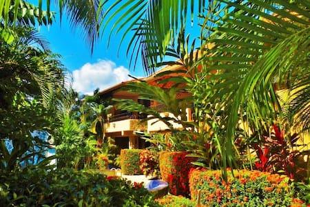 Private 10 Room Retreat - Tambor Beach - Bed & Breakfast