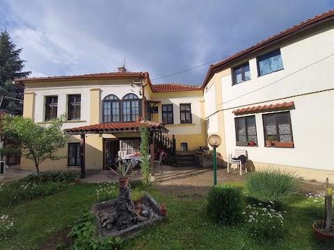 100 Jahre altes Garik-Haus