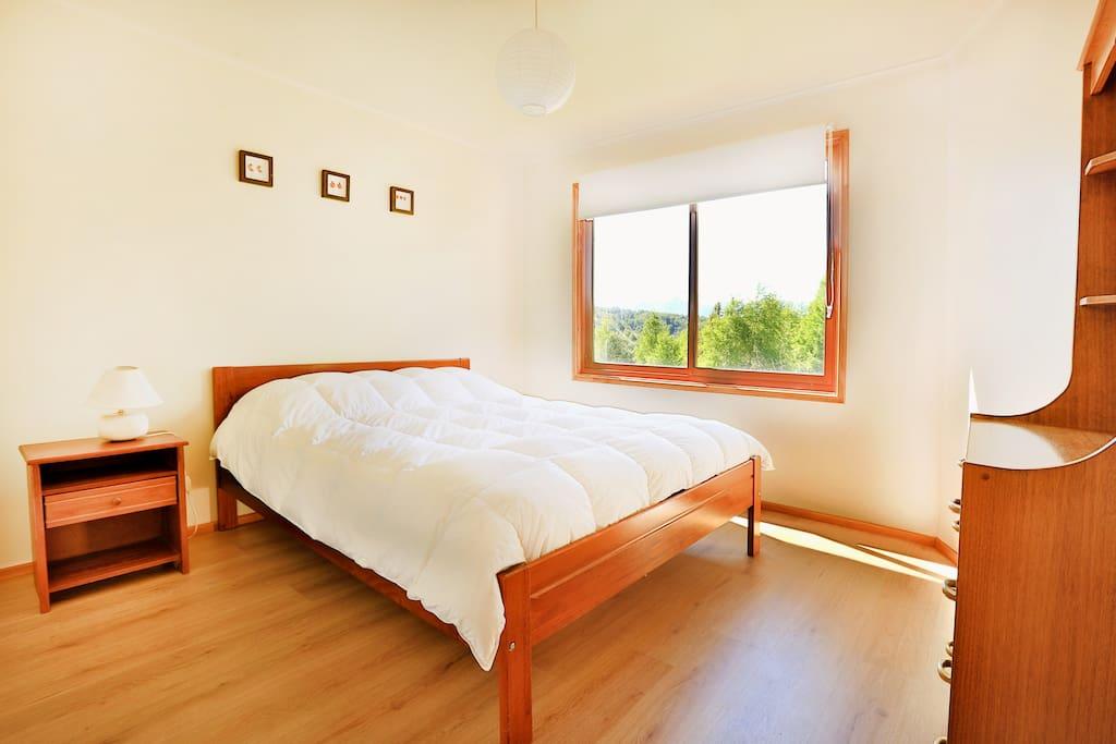 Dormitorio grande / Large Bedroom