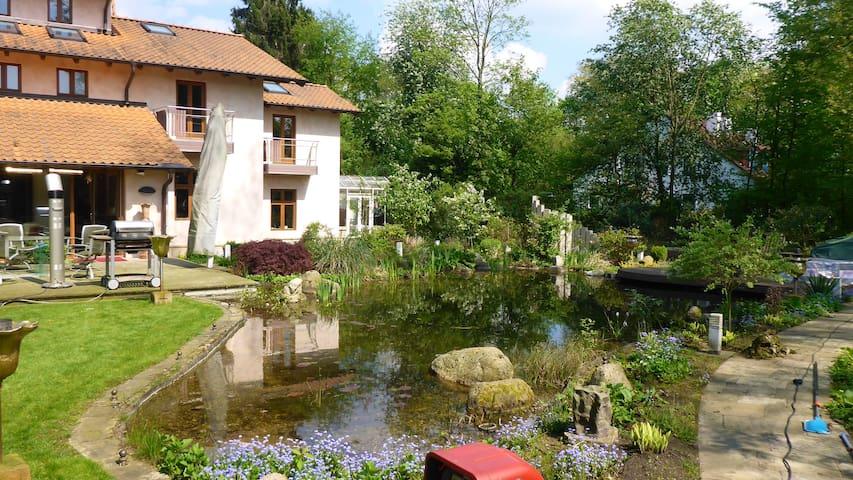 230 sqm Part Villa•sleeps 4•Hamburg - Hamburg - House