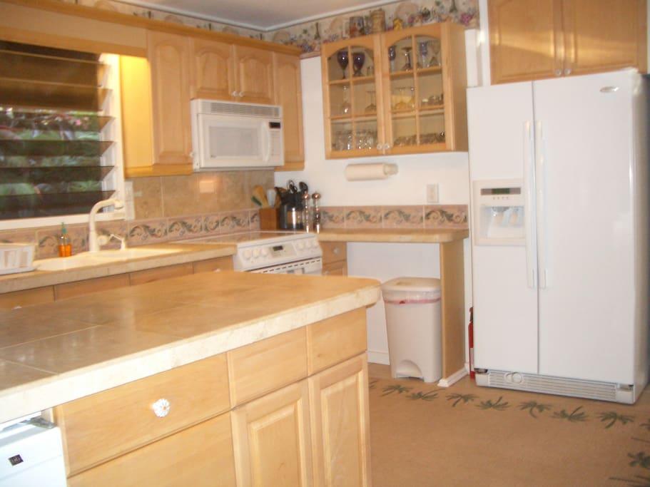 Kitchen, 2 Refrigorators, dishwasher