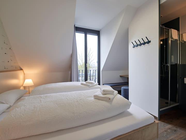 Am Gleis - Radhotel + Einkehr, (Radolfzell-Markelfingen), Tandem Doppelzimmer, Dusche/WC, DG