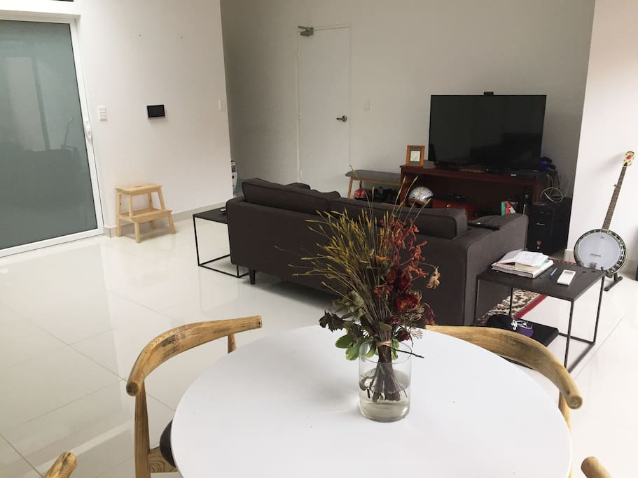Large, light filled, open plan living/kitchen area & private north-facing balcony