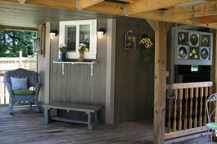 Cabin at Copper Springs Cozy Getaway RusticCottage
