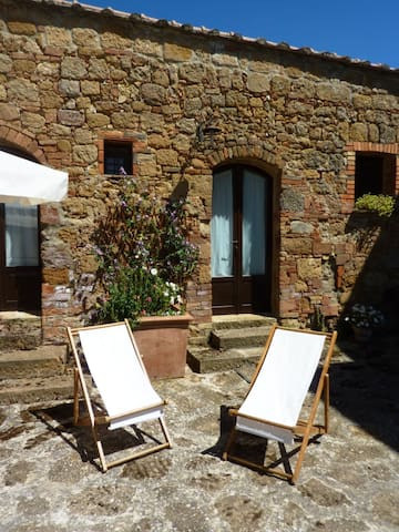 "Pure Relax and stunning view! Room ""Il Granaio"""
