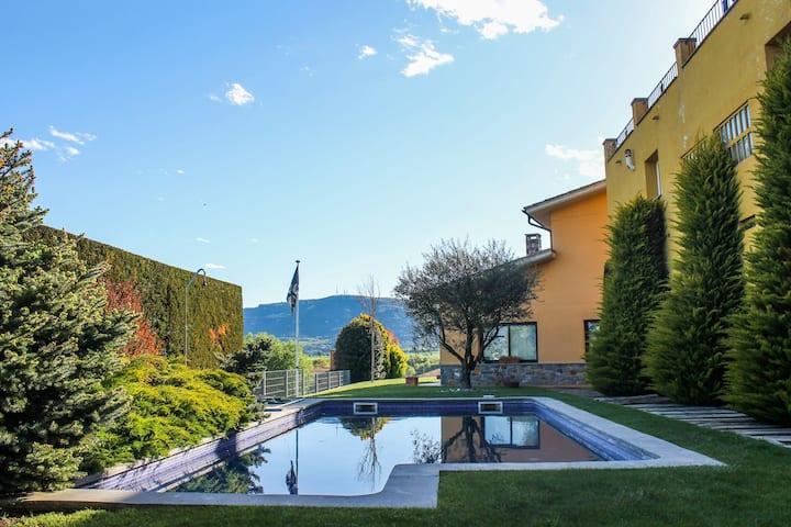 Magnífica casa con piscina, al pie del Montseny