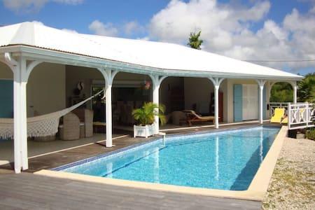 Marie-Galante : Villa avec piscine - Grand-Bourg