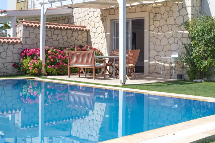 Cozy 3B Villa with pool in Alacati - Alaçatı - Villa