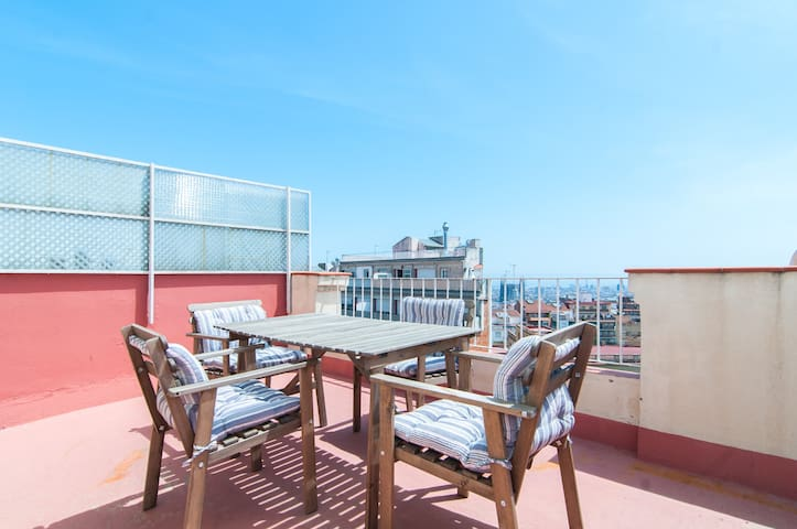 AMAZING VIEWS PENTHOUSE PARK GUELL