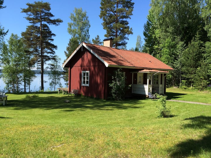 Summerhouse by the lake with fantastic views