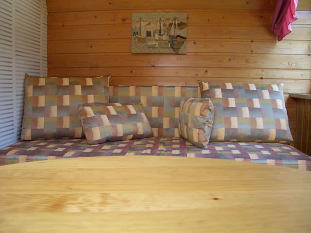 2.Schlafzimmer mit Schlafcouch