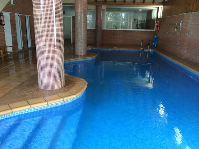 Cute Duplex indoor Swimming Pool - Granollers - Daire