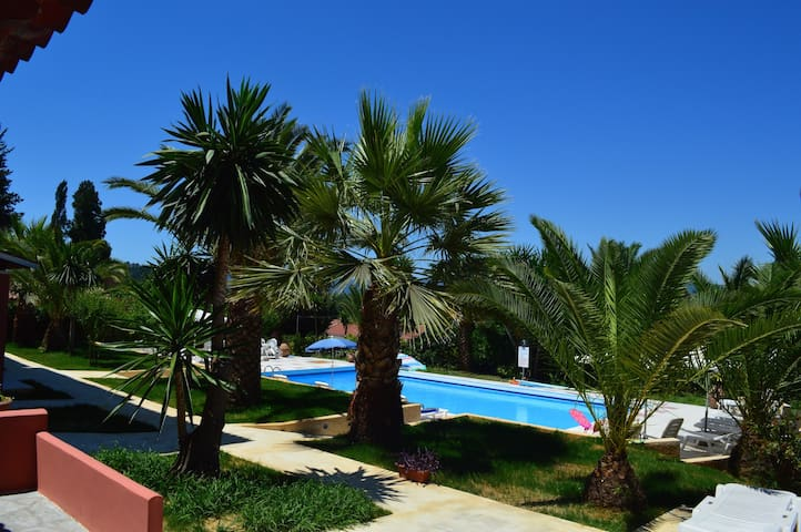 The palm garden (andreas villas) - Βατός - Apartment