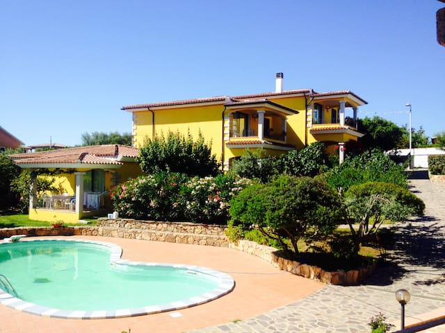 Appartamento con piscina piano terra