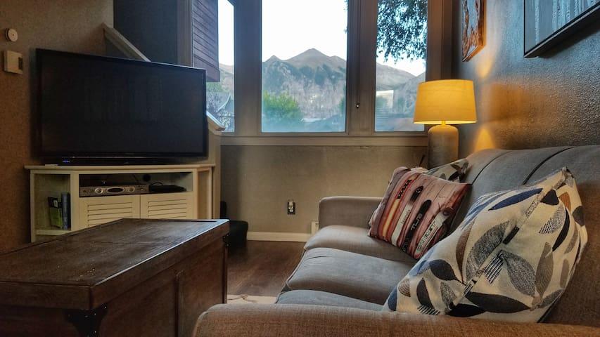 Cozy 1 Bedroom Condo at Cornet Creek in Telluride