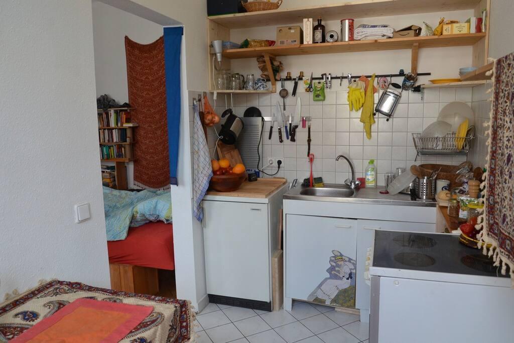 Meine kleine gut ausgestattete Küche mit allem, was man so braucht.
