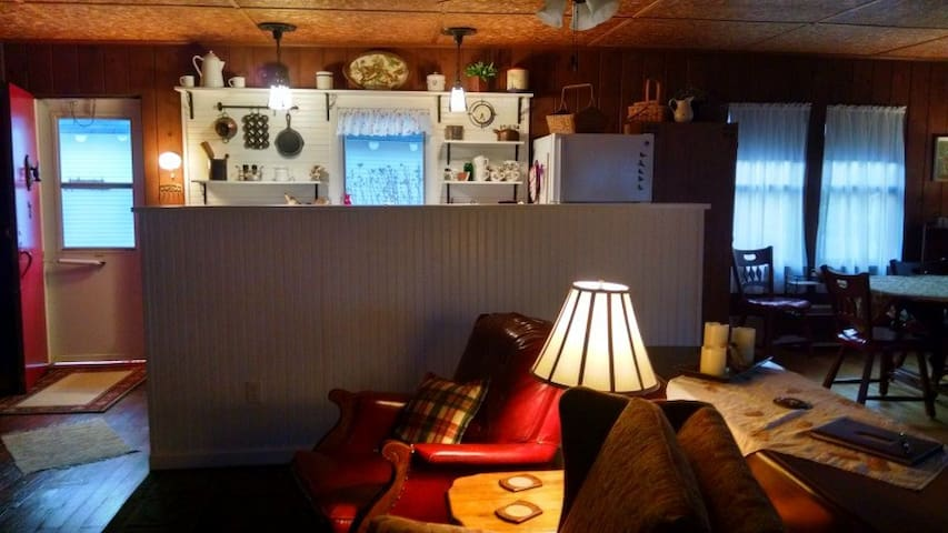 DOC'S INN: 15 miles from Copper Harbor-next to Eagle Harbor Lighthouse